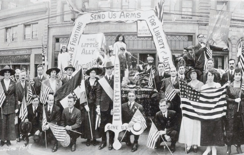 Fourth-of-July-Parade-San-Francisco-1918.
